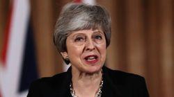 Νέα αναβολή στο Brexit ζητάει η Μέι - Και πετάει το γάντι στους