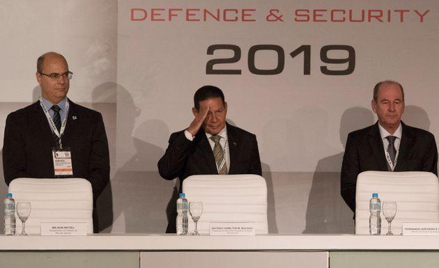 O presidente em exercício, general Hamilton Mourão, durante cerimônia de abertura...
