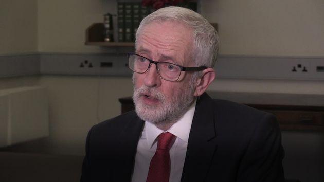 Jeremy Corbyn réagit à la déclaration de Theresa