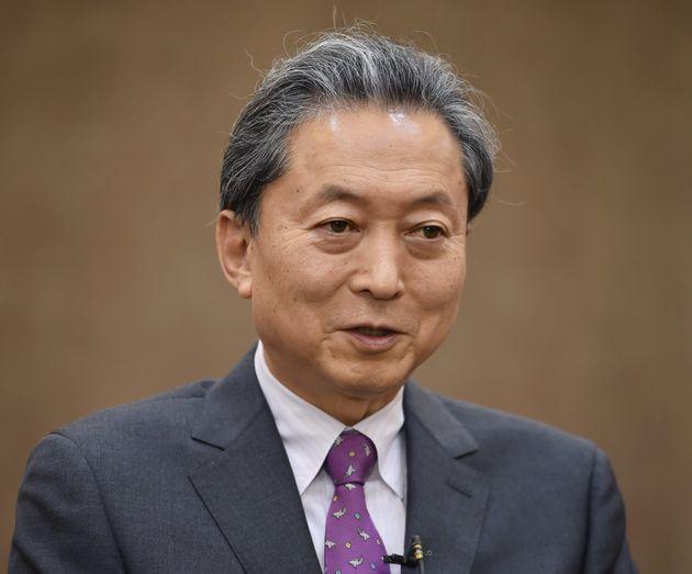 鳩山由紀夫元首相、元号発表に「天皇の政治利用」と批判