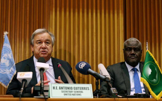 Le secrétaire général de l'ONU, Antonia Guterres, et le président de la commission...