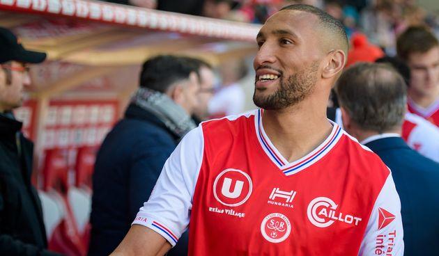 Yunis Abdelhamid évolue en tant que défenseur au stade de
