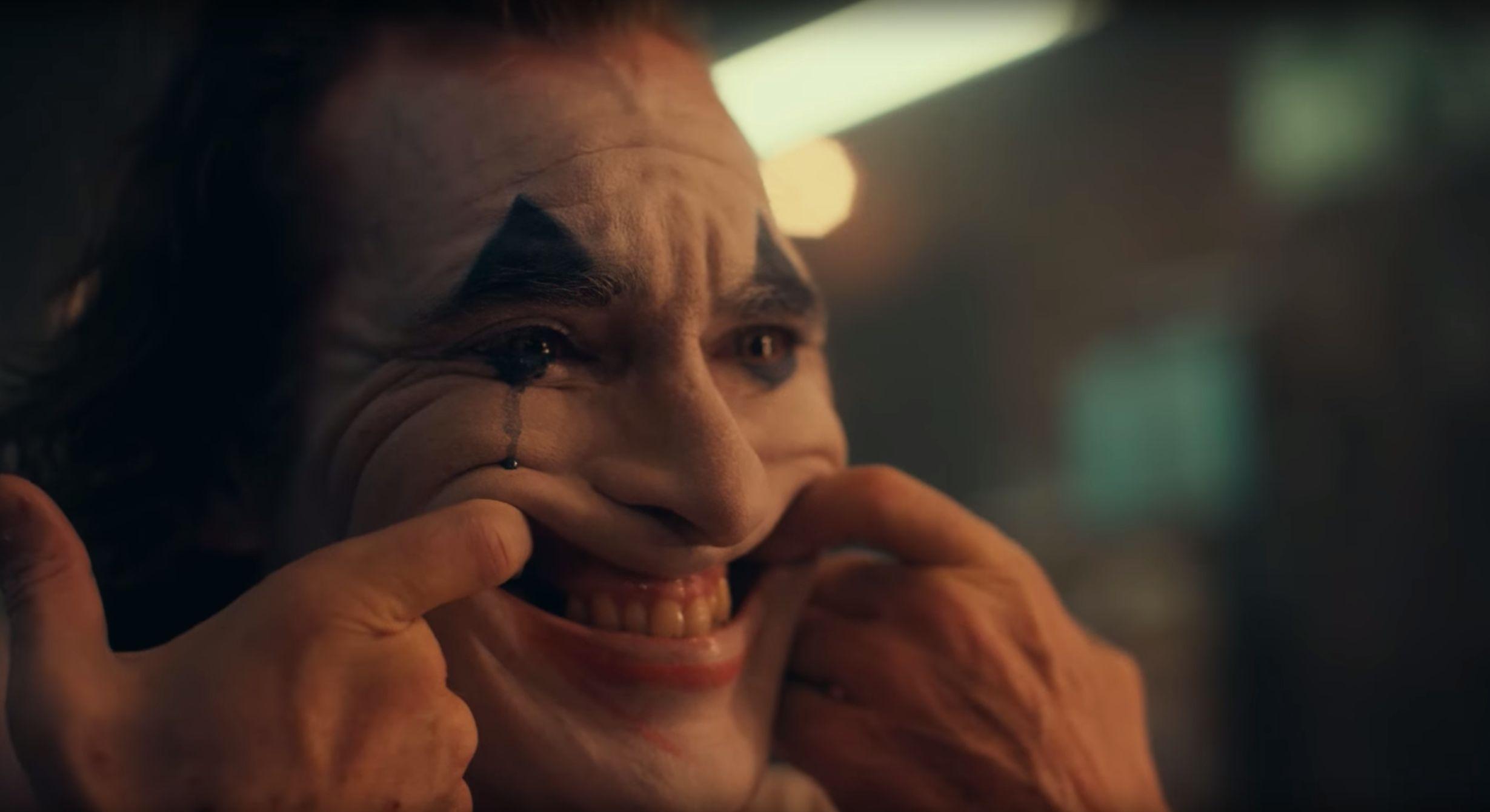 New Joker Trailer Offers Fans First Glimpse At Joaquin Phoenix In
