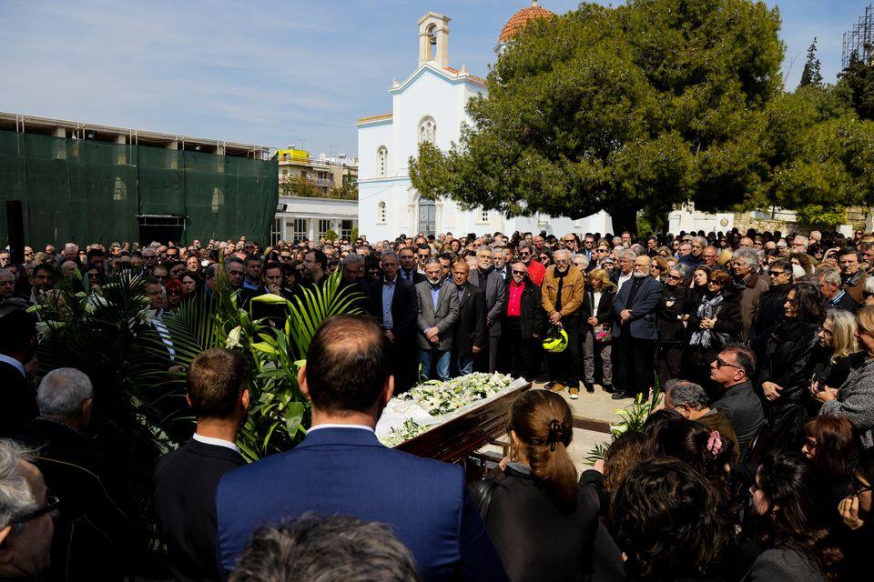 Στιγμιότυπα από την κηδεία...