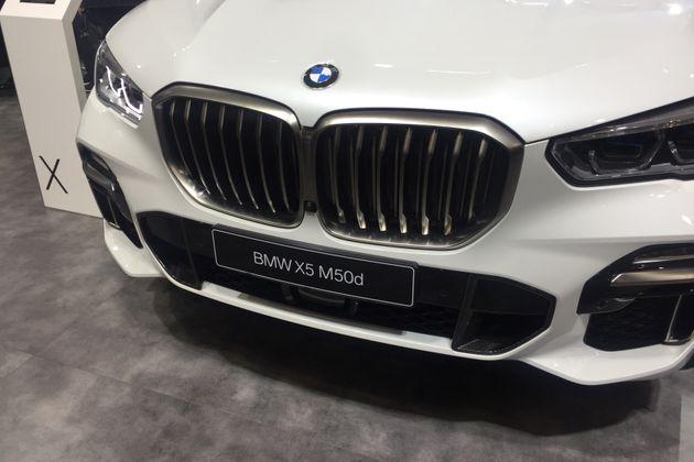 BMW 부스에 전시되어 있던 X5 M50d. M은 고성능을, d는 디젤을 의미한다. 즉 고성능