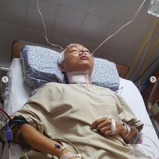 래퍼 케이케이가 전신마비 사실을 고백하며 도움을