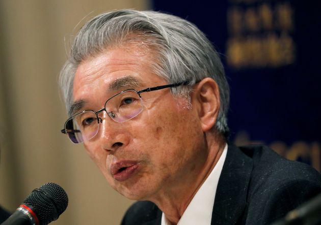 会見する弘中弁護士