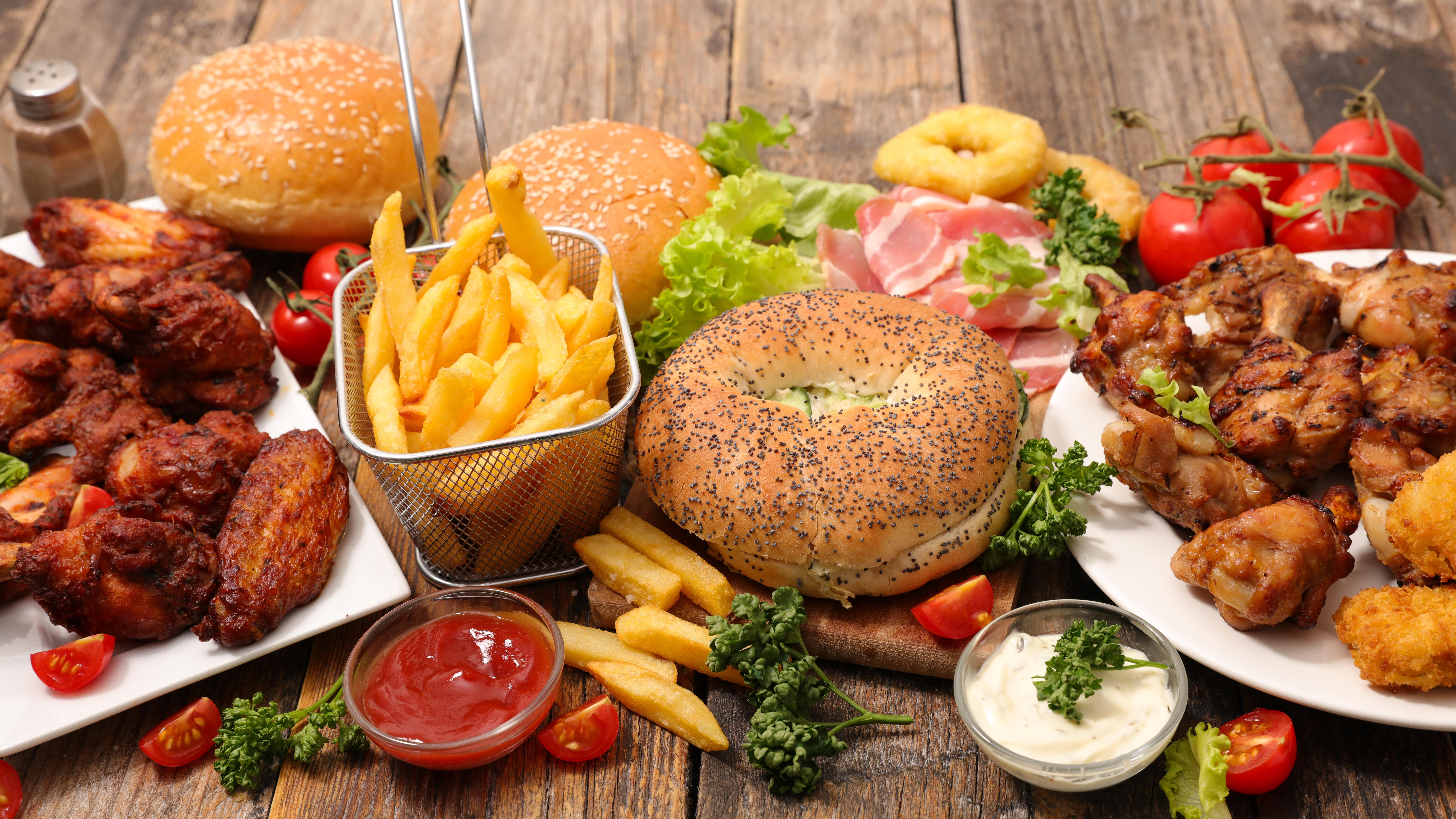 Κίνδυνος - θάνατος το junk food, σκοτώνει πιο πολύ από το