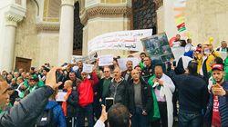 Rassemblement à Alger des appelés de l'armée de la décennie