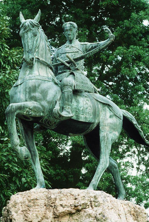 高杉晋作像(山口県下関市)