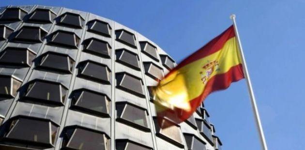 El Constitucional anula los artículos de la ley del Parlament que permiten la investidura telemática...
