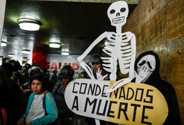 Protesto em Caracas contra as péssimas condições de saúde no