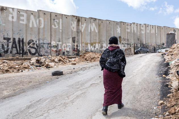Muro que separa los Territorios Palestinos de