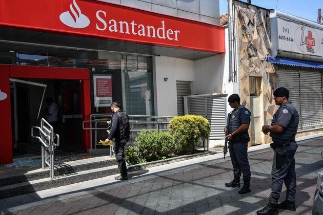 Bandidos mortos explodiam caixas eletrônicos em Guararema