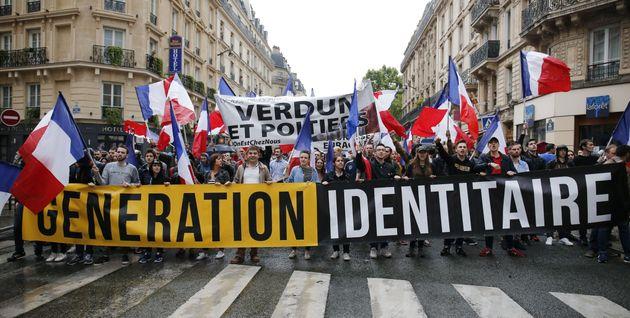 Les militants de Génération identitaire lors d'une manifestation à Paris en 2016