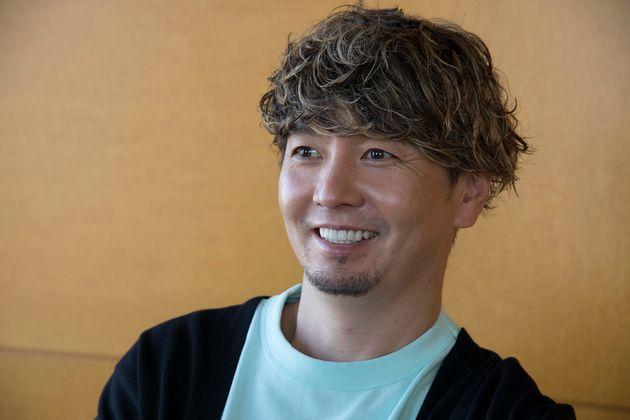 インタビューを受ける湘南乃風のSHOCK
