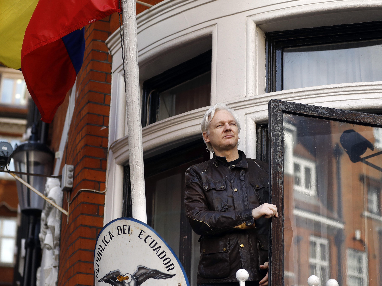 Wikileaks: Ο Ασάνζ θα εκδιωχθεί από την πρεσβεία του Ισημερινού εντός «ωρών ή