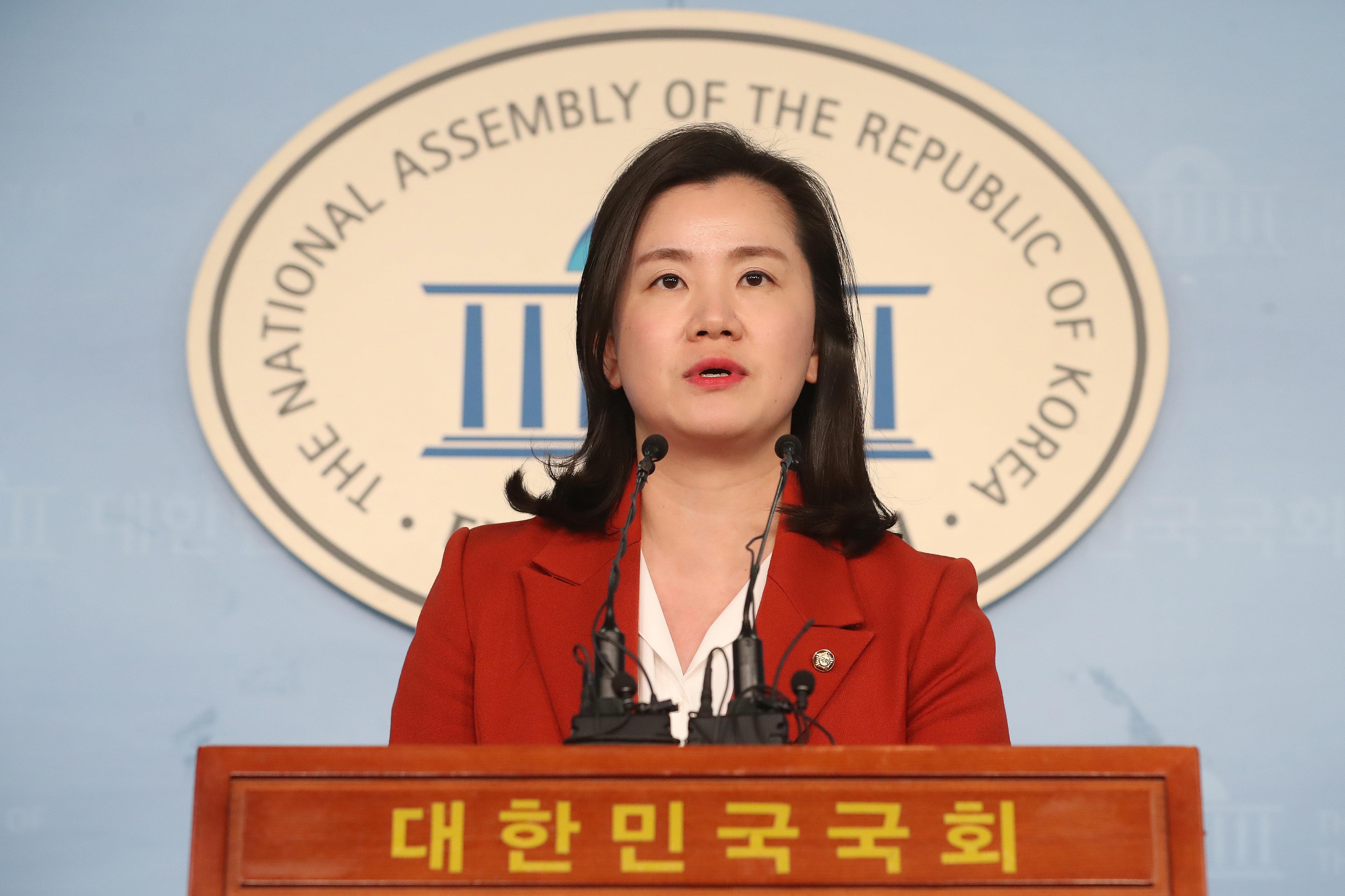 신보라 의원의 '아기 동반 본회의 출석'이
