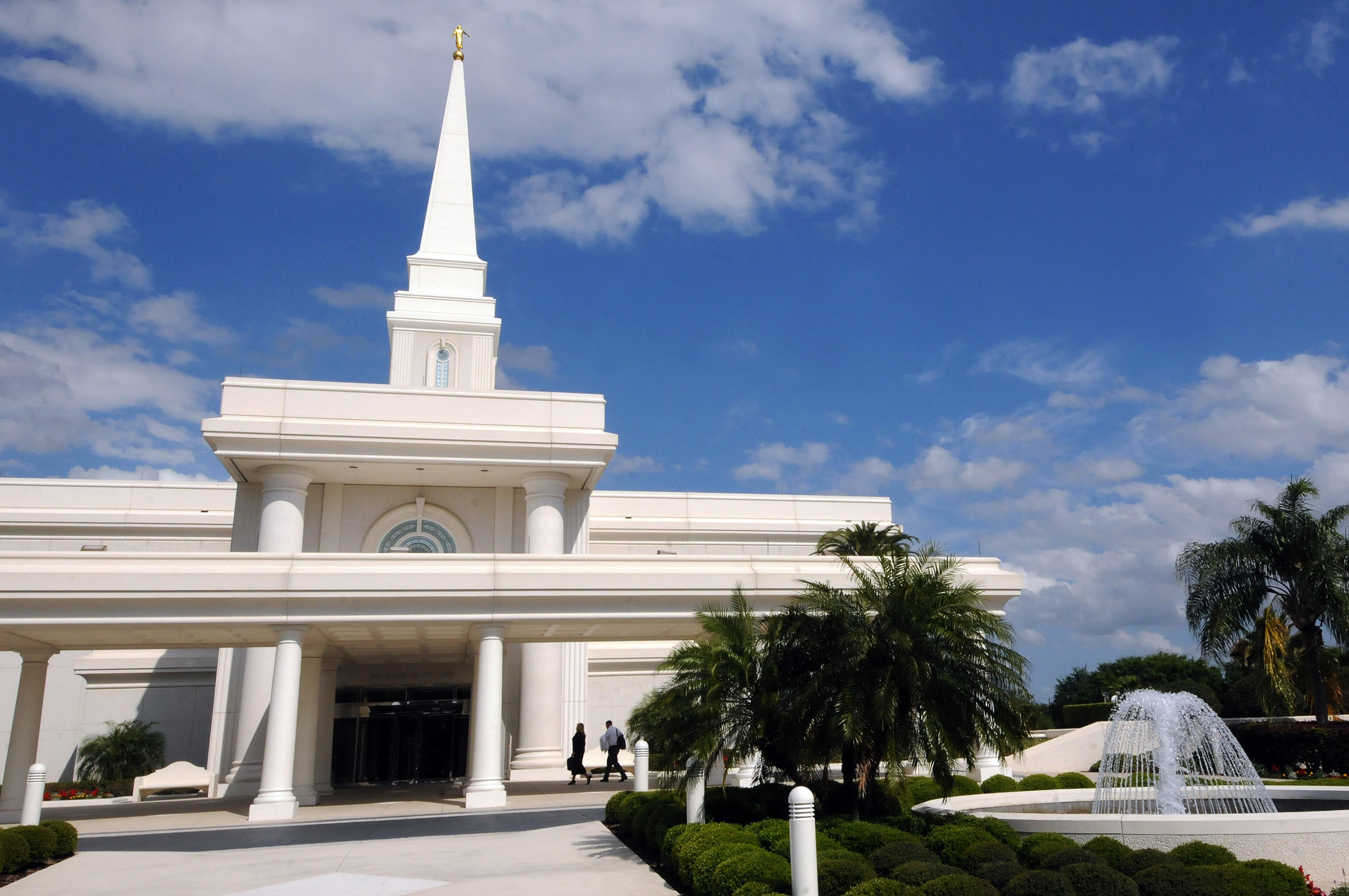 Les Mormons autorisent le baptême des enfants de couples