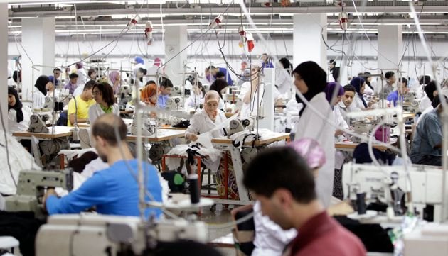 Employés de textile Sathya Clothiers, qui fournit des vêtements à des entreprises...