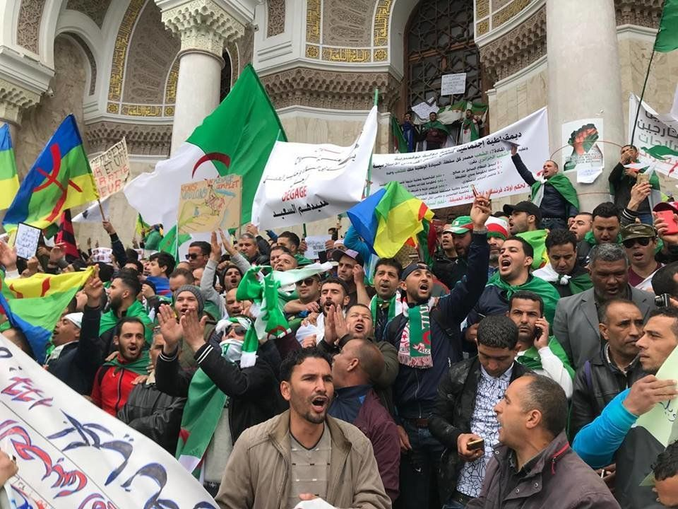L'Algérie entame un 7e vendredi de