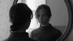 «Light Years»: Η Αλίσια Βικάντερ πρωταγωνιστεί στο βίντεο κλιπ των The