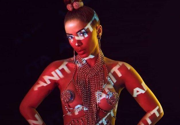 Depois de 4 anos sem lançar um álbum completo, novo trabalho de Anitta é elogiado...