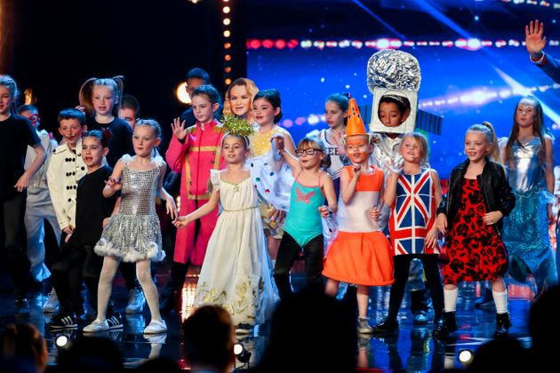 Flakefleet Primary School choir are the first Golden Buzzer act of the