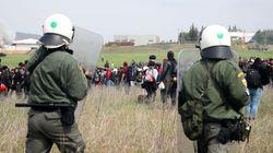 Σάλος για βίντεο από τα Διαβατά με πρόσφυγα που πετά παιδί στα