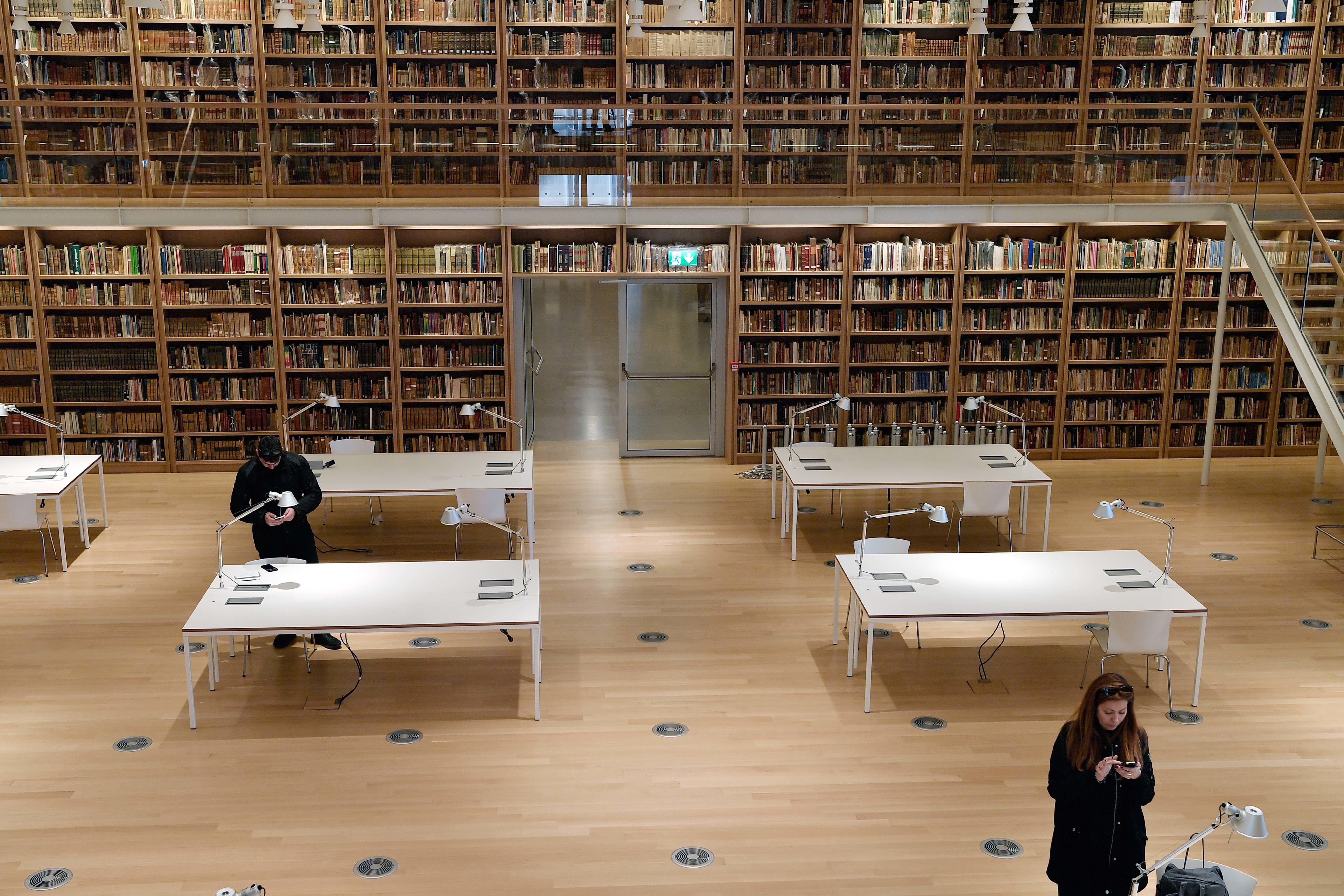 Οι Βιβλιοθήκες με το βλέμμα στο