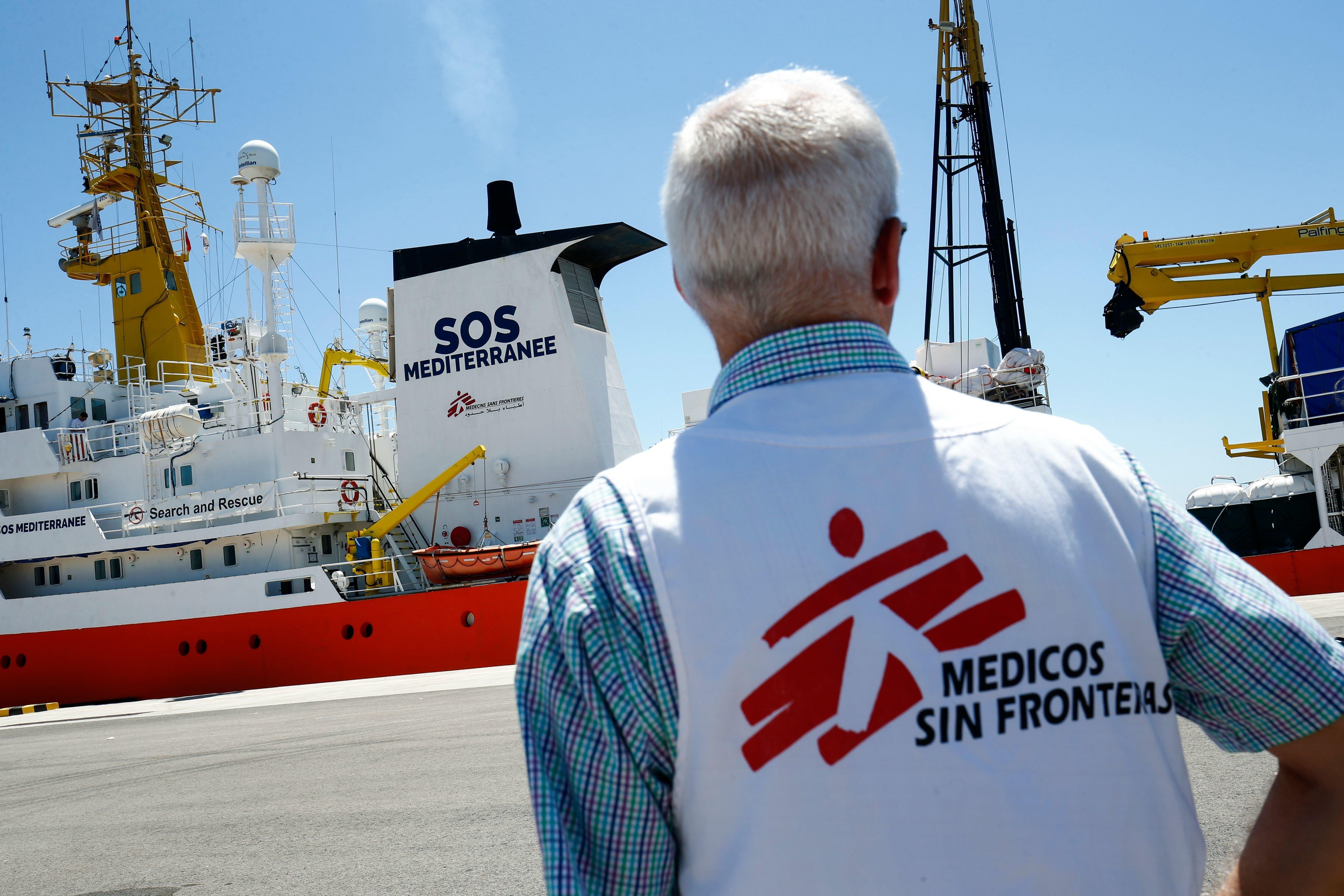 Castaner parle d'ONG complices des passeurs, MSF dénonce