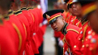 Honour guards prepare for the welcome ceremony of Cambodia's Army Chief Hun Manet at the Thai Army headquarters in Bangkok, Thailand, April 2, 2019. REUTERS/Athit Perawongmetha     TPX IMAGES OF THE DAY