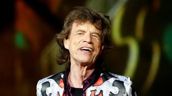 """Mick Jagger of the Rolling Stones performs during a concert of their """"No Filter"""" European tour at the Orange Velodrome stadium in Marseille, France, June 26, 2018.   REUTERS/Jean-Paul Pelissier"""