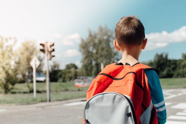 Δάσκαλοι ανάγκαζαν παιδί με αυτισμό να φορά κίτρινο γιλέκο για να
