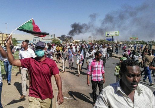 One Dead In Sudan's Anti-Bashir Protests As People Rally Outside Army