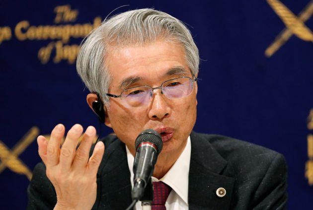 日本外国特派員協会で記者会見する弘中惇一郎弁護士