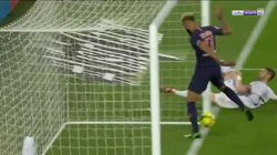 Le loupé incroyable de cet attaquant du PSG sur la ligne de but face à
