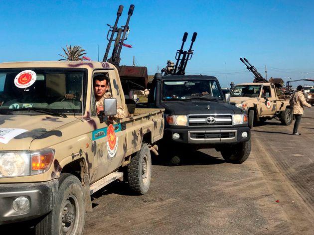 Κρίση στη Λιβύη: Συνεχίζονται οι μάχες κοντά στην Τρίπολη, εν μέσω εκκλήσεων για τερματισμό