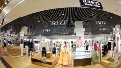 김정은의 시찰로 공개된 평양의 새로운 백화점