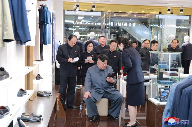 김정은 위원장의 시찰과 함께 공개된 평양의 새로운 백화점