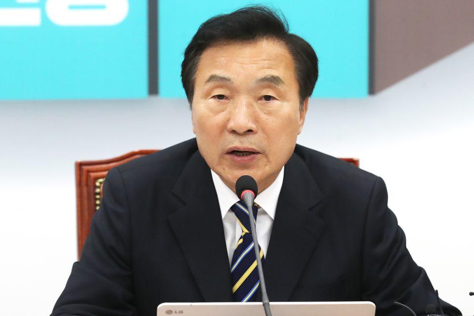 손학규 바른미래당 대표가 8일 오전 서울 여의도 국회에서 열린 제84차 최고위원회의에서 모두발언을 하고