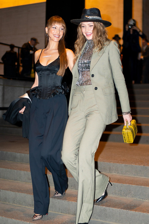 Pour le mariage de Marc Jacobs, Gigi Hadid opte pour un chapeau du créateur marocain Youssef