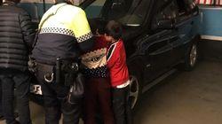 Investigado por dejar a sus dos hijos en un parking mientras iba al casino en