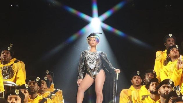 Vestida como a rainha egípcia Nefertiti,Beyoncé abalou as estruturas de um festival...