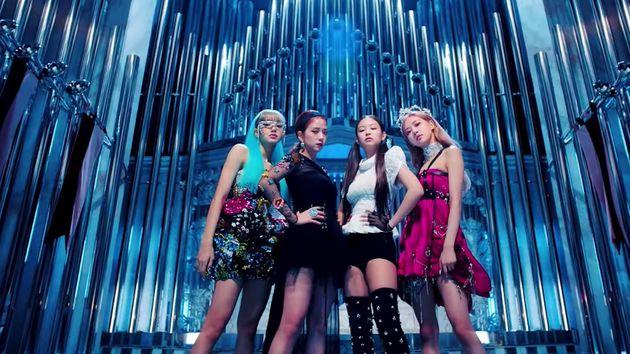 Το K-pop συγκρότημα Blackpink πέρασε το ρεκόρ της Αριάνα Γκράντε στο