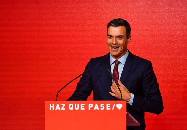 El PSOE arrasaría en las generales con el 30,2% de los votos y el doble de escaños que el PP, según el