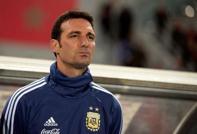 El seleccionador argentino de fútbol, Lionel Scaloni, herido
