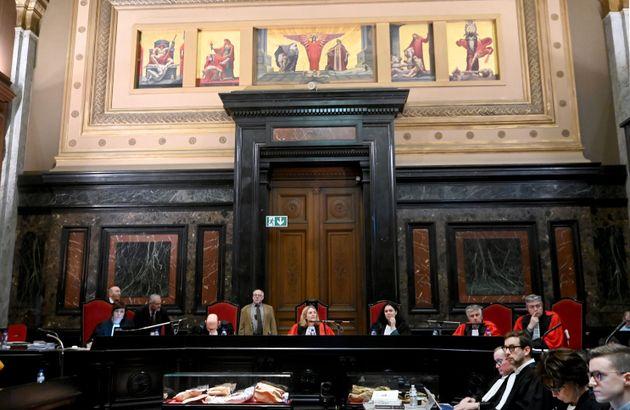 Βέλγιο: Δίδυμοι δικάστηκαν μαζί λόγω εκπληκτικής
