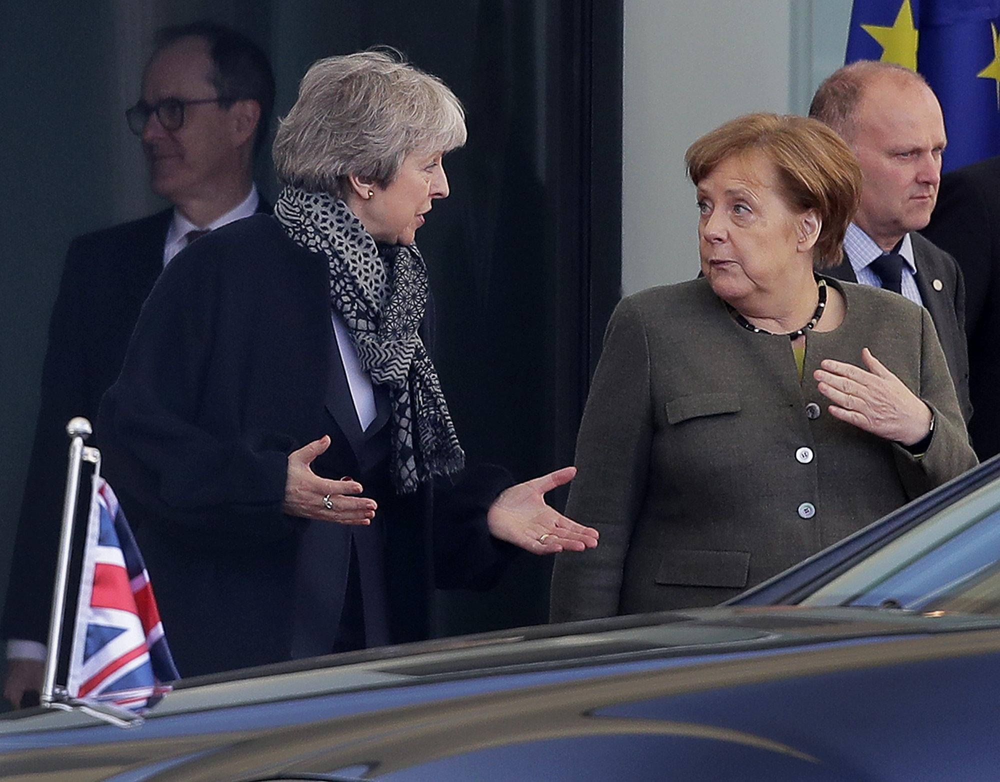 Brexit: Η ΕΕ απαιτεί «ξεκάθαρο» βρετανικό σχέδιο για να δώσει