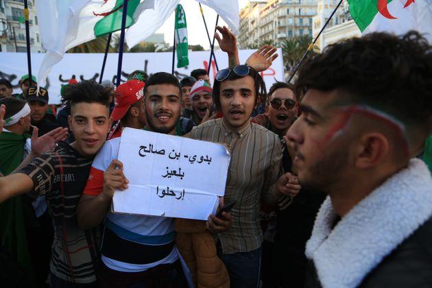 Bensalah chef d'Etat par intérim : la lune de miel entre les manifestants et l'ANP risque d'être